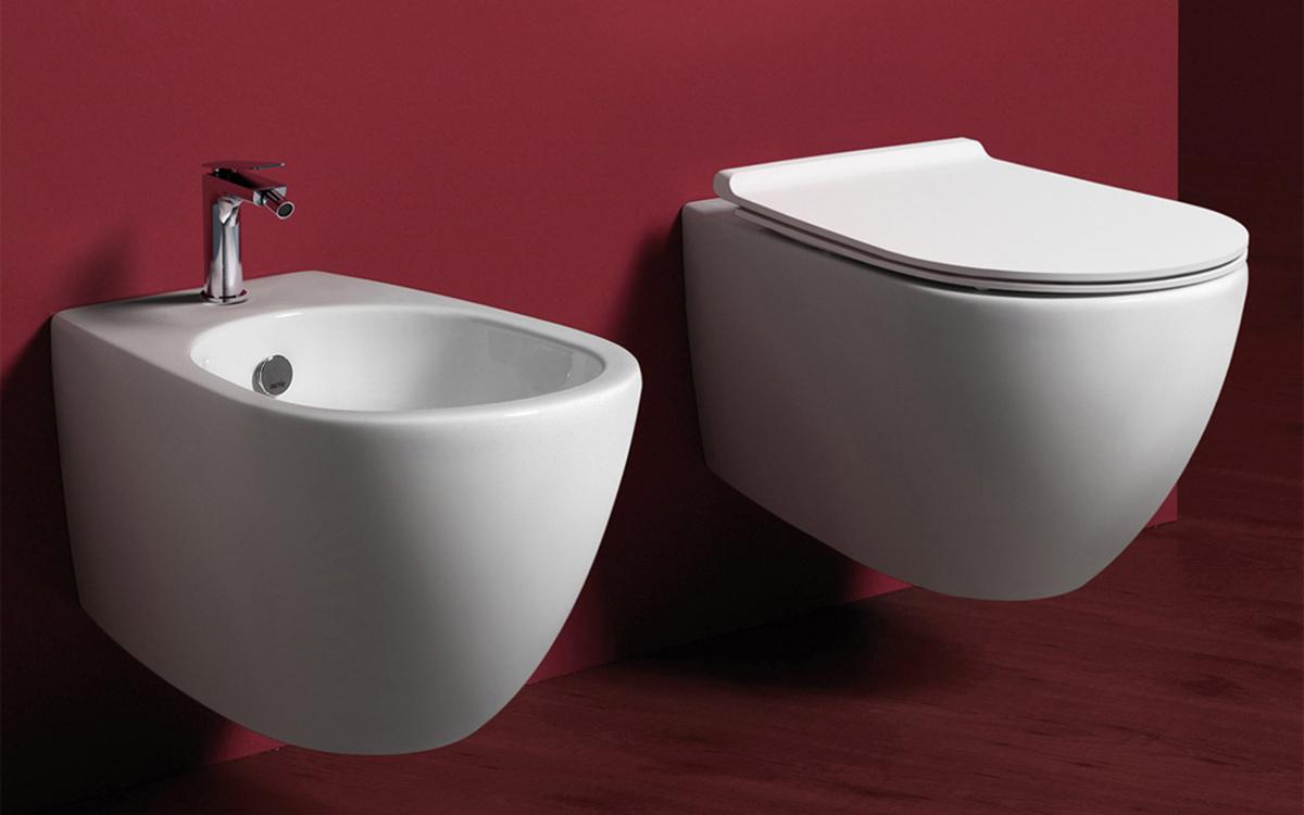 Sanitari Scala Ideal Standard guida fissaggio da sopra di un copriwater per vasi sospesi